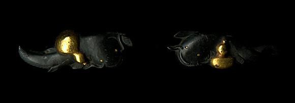 Мэнуки с изображением сома и тыквы-горлянки